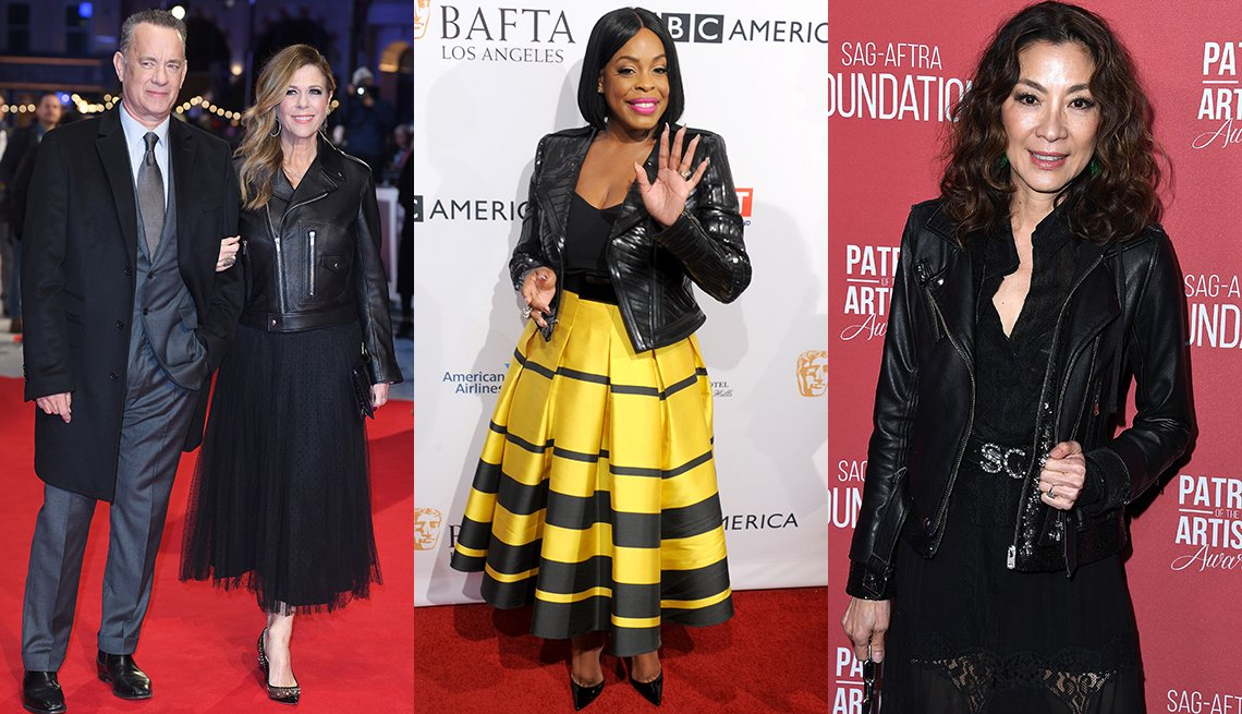 Rita Wilson, (al lado de su esposo Tom Hanks), Niecy Nash y Michelle Yeoh usando chaqueta de cuero.