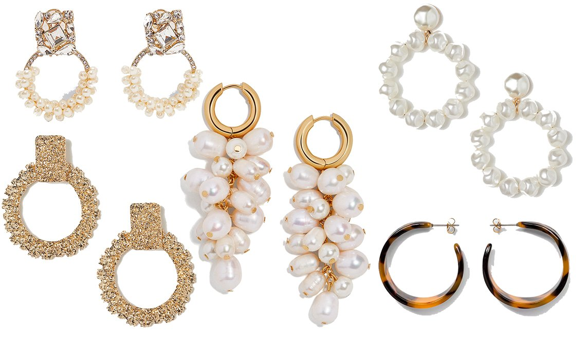 item 8, Gallery image. (en sentido horario desde la esquina inferior izquierda): Hoop Earrings de H&M, Sparkly Pearl Earrings de Zara, Earrings with Beads de H & M, Wide Tortoise Hoop Earrings de A New Day, Atlantic Pearl Drop Earrings de BaubleBar (centro).