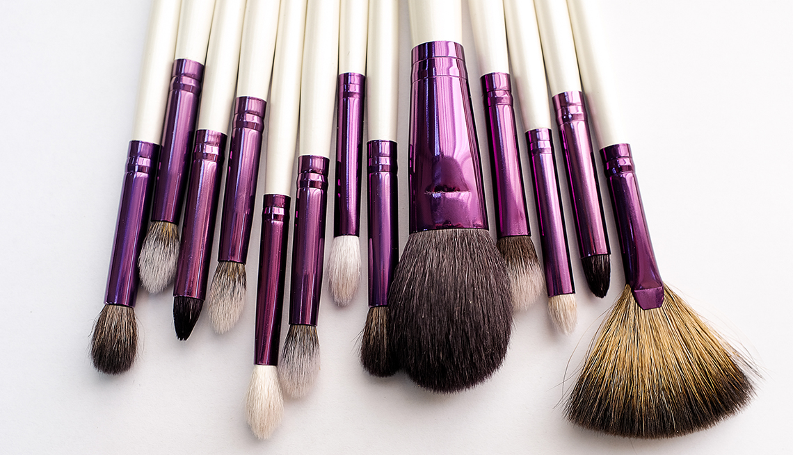 item 10 of Gallery image - An assortment of makeup brushes on a white background