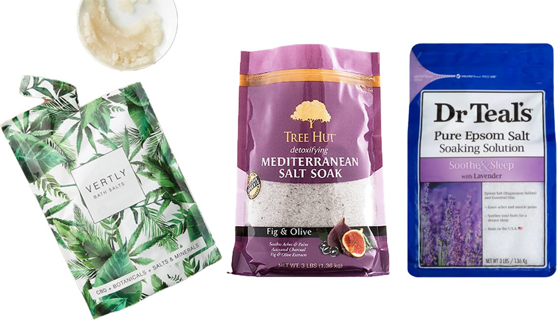 item 4, Gallery image. (De izquierda a derecha) Sales Vertly Bath Salts; Sales Tree Hut Fig & Olive Epsom Salt; Solución Dr. Teal's Pure Epsom Salt Soothe & Sleep Lavender Soaking Solution