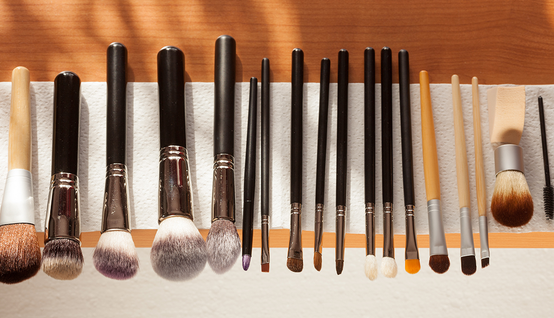 item 10 of Gallery image - A set of makeup brushes drying after washing