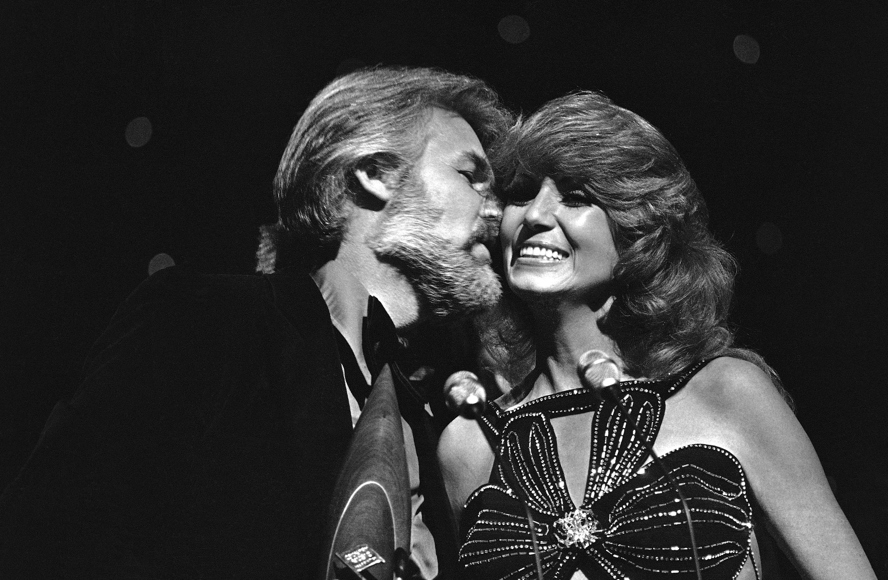 Country music singers Kenny Rogers and Dottie West appear at the CMA Awards in Nashville, 1978 - Kenny Rogers Retrospective