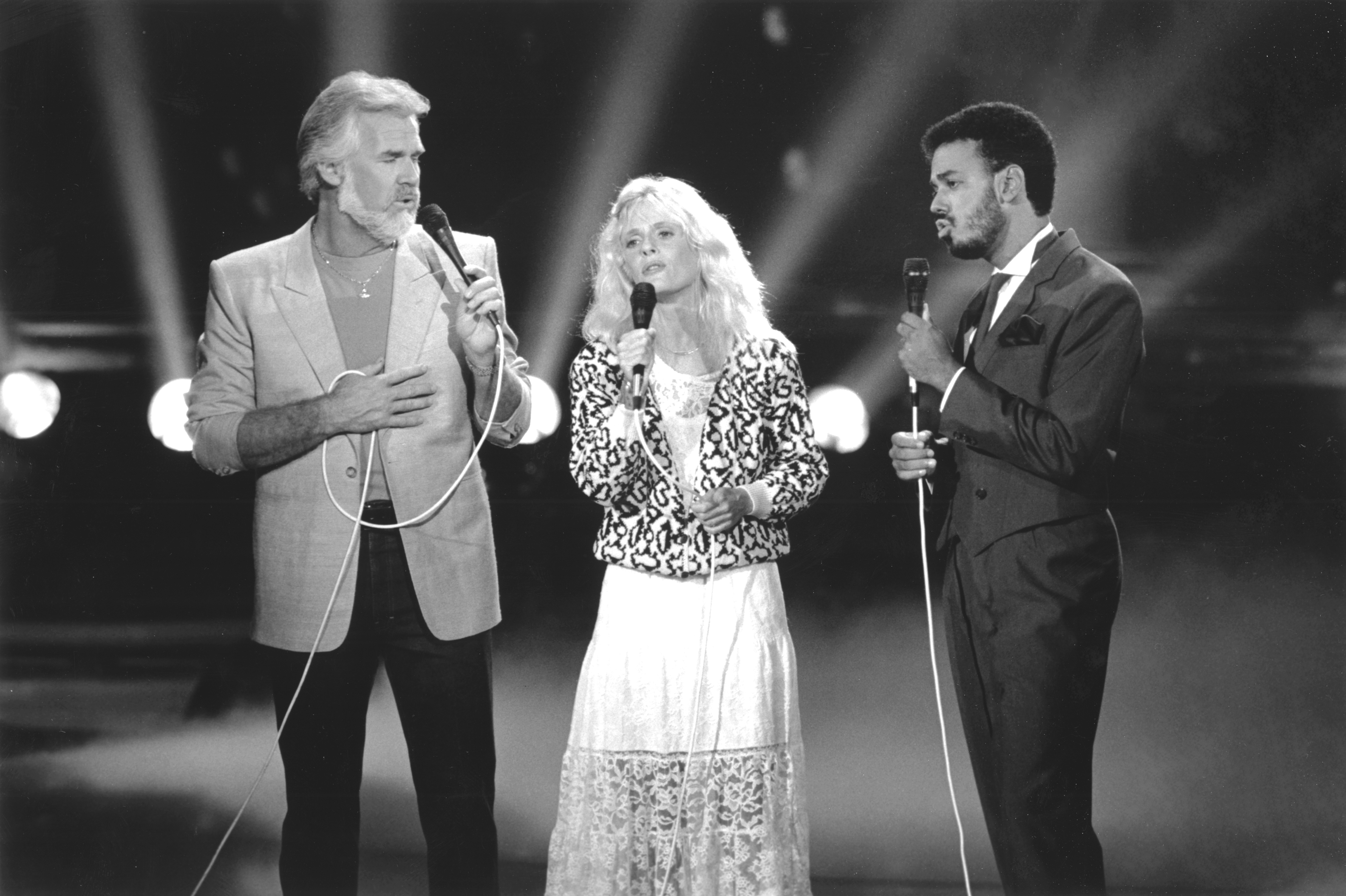 Kenny Rogers, Kim Carnes, James Ingram performing on Solid Gold - Kenny Rogers Retrospective