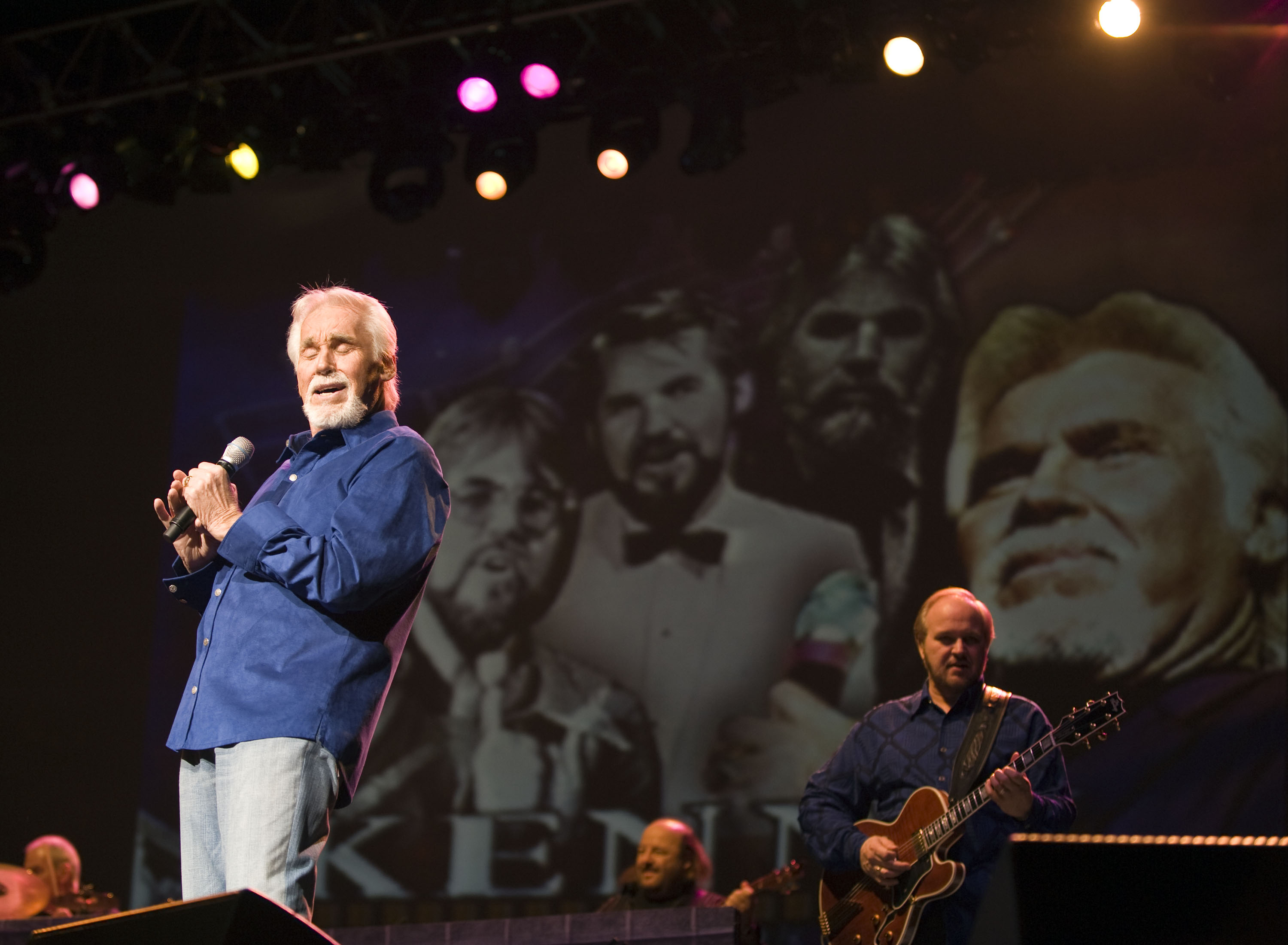 Kenny Rogers performs in Birmingham, England in 2009 - Kenny Rogers Retrospective