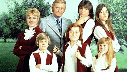 Actress Shirley Jones and the cast of The Partridge Family (Everett Collection)