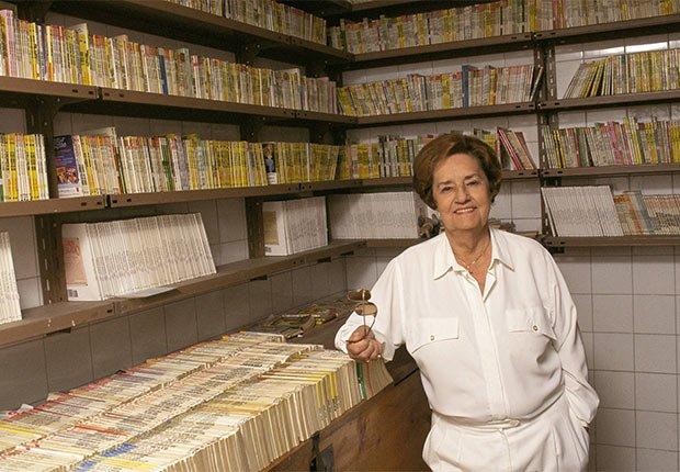 Retrato de la escritora Corín Tellado