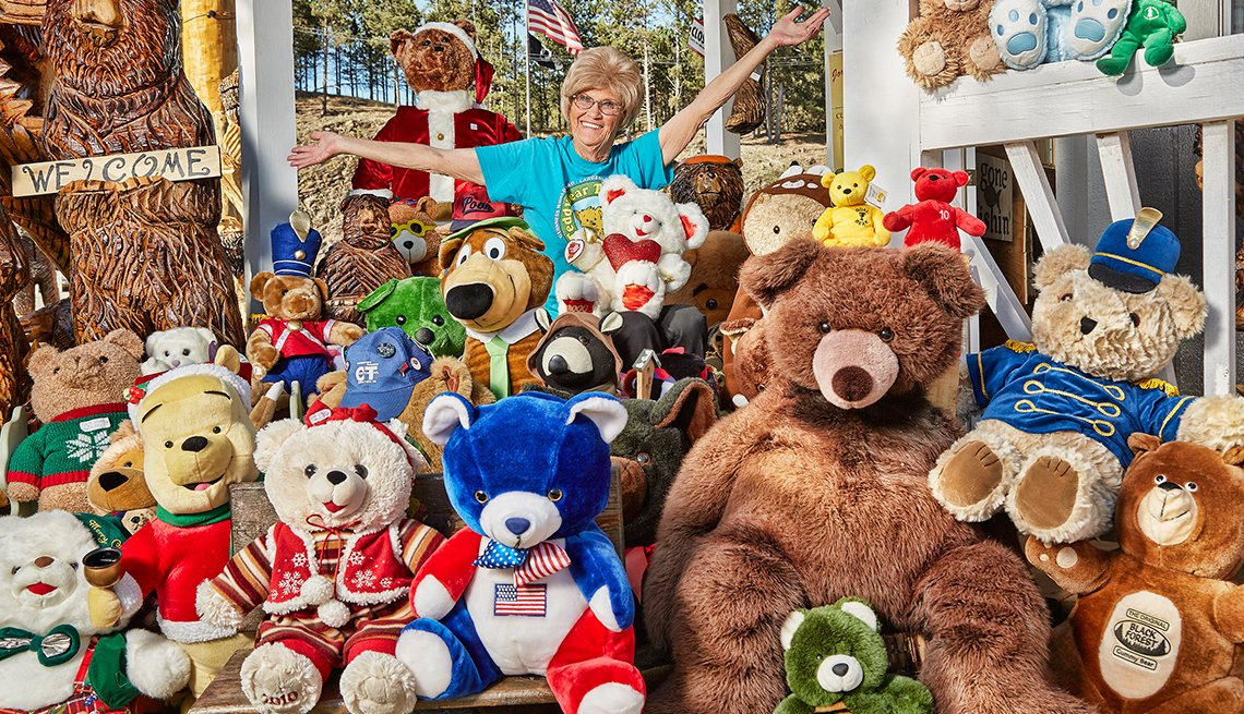 Guinness book jackie miley largest teddy bear collection