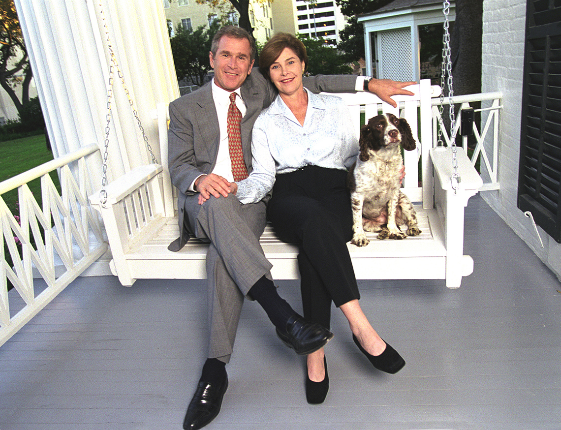 item 16 of Gallery image - 2000 George and Laura Bush
