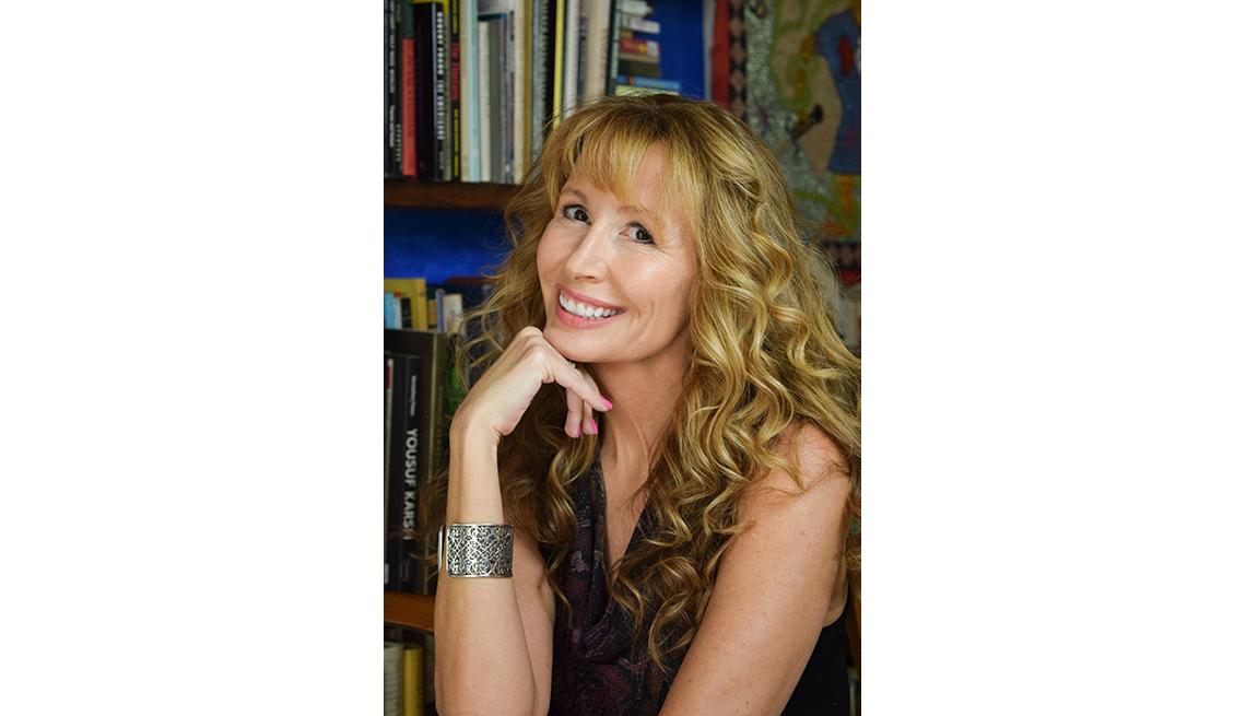 Lorraine Ladish