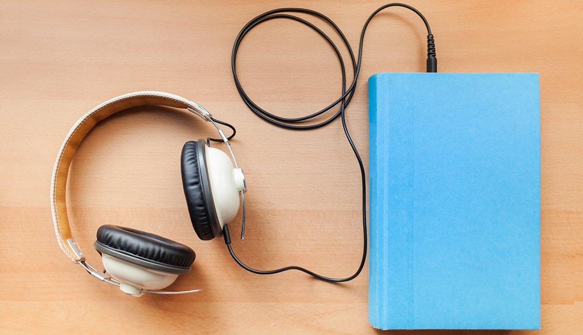 Audífonos conectados a un dispositivo electrónico