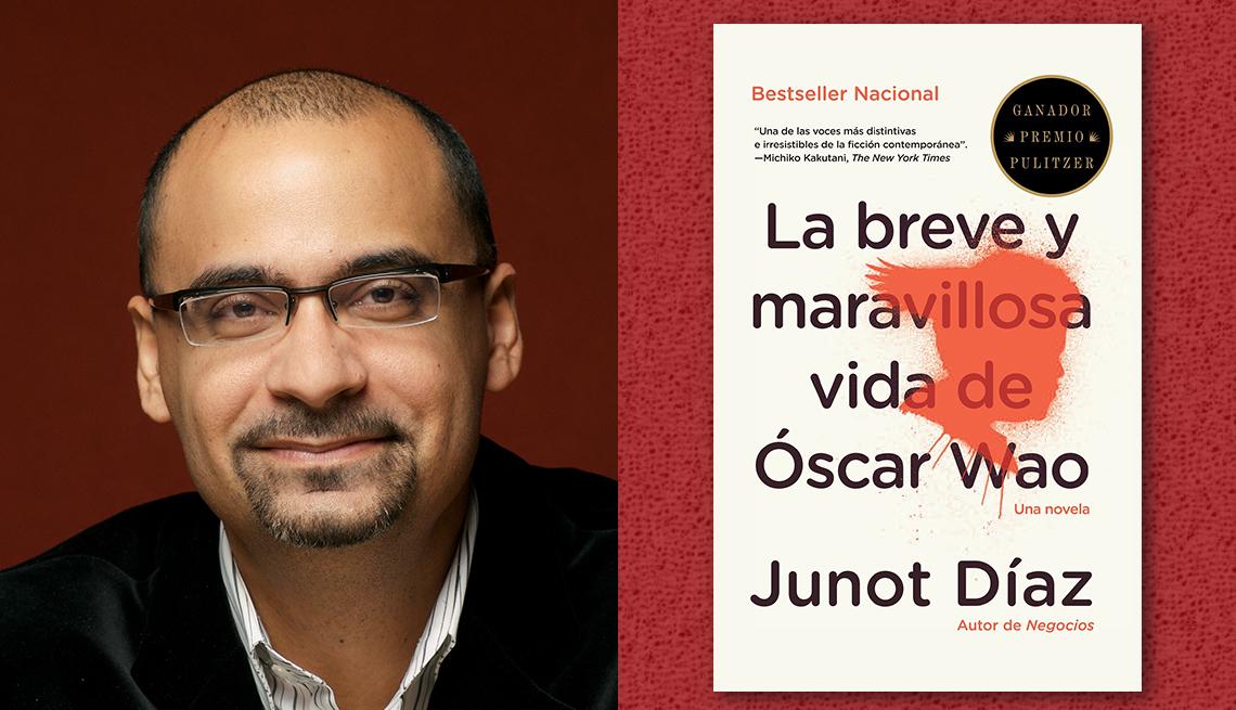 item 10 of Gallery image - El escritor Junot Díaz y la portada de su libro 'La breve y maravillosa vida de Óscar Wao'.