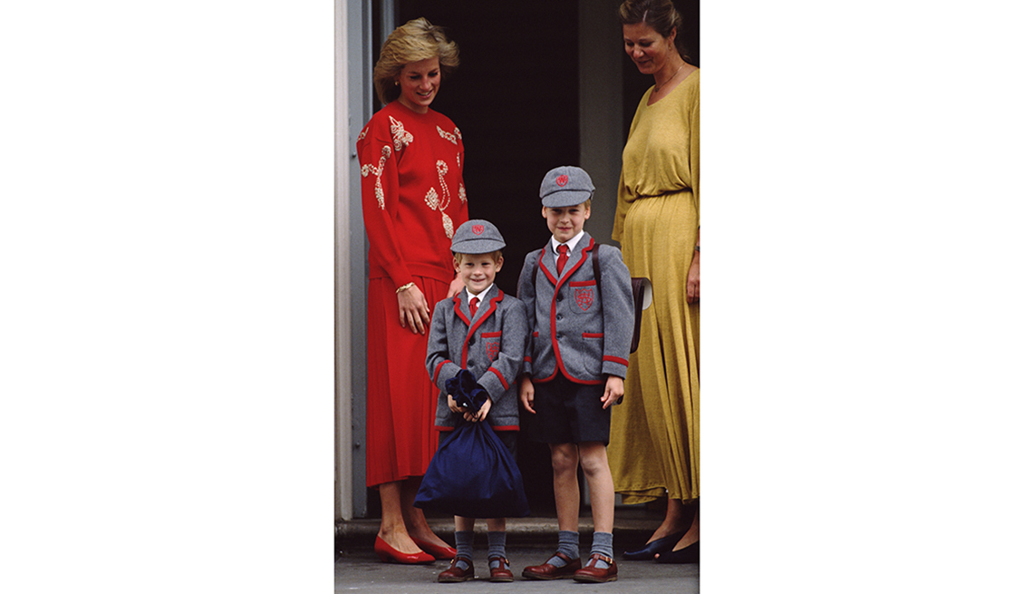 item 6 of Gallery image - Princess Diana with her sons Prince Harry (left) and Prince William, September 1989.