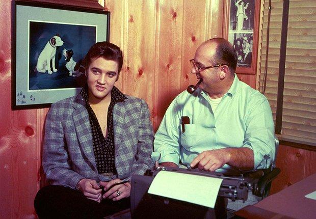 Elvis con su manager Colonel Tom Parker - Elvis Presley, 40 años de su muerte