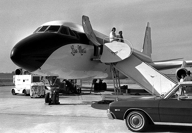 El rey del rock n roll en su avión Lisa Marie - Elvis Presley, 40 años de su muerte