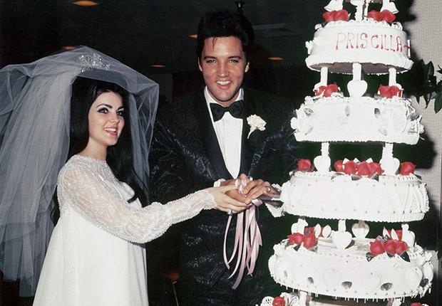 El rey del rock n roll en su boda con Priscilla Beaulieu - Elvis Presley, 40 años de su muerte