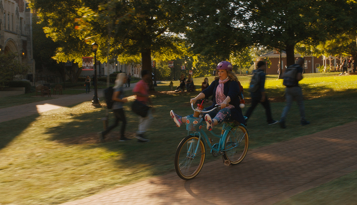 item 10 of Gallery image - MELISSA McCARTHY  en Life of the Party