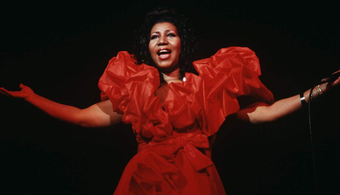 item 11 of Gallery image - Aretha Franklin on stage.