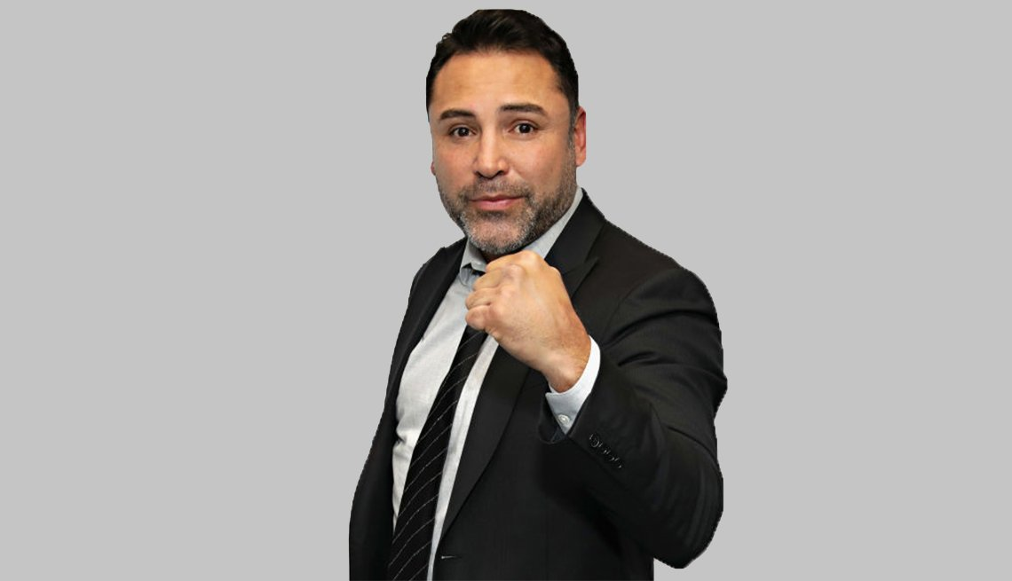Oscar De La Hoya with his fist raised