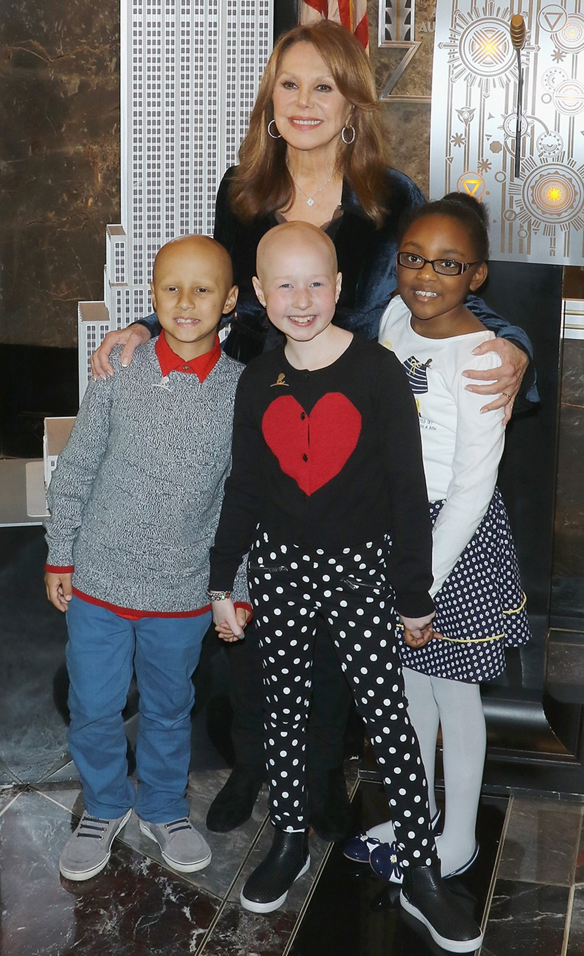 Marlo Thomas with children from St. Jude Children's Research Hospital.