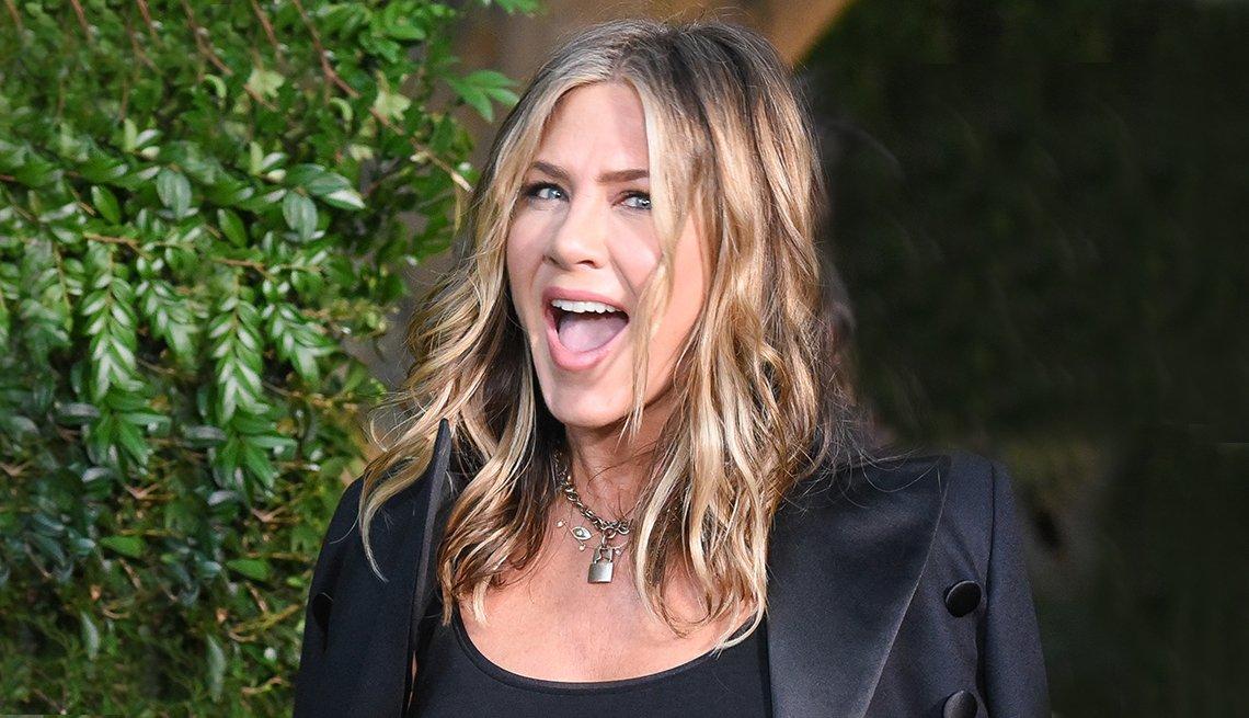 item 6, Gallery image. Jennifer Aniston en Malibu, California, 2018.