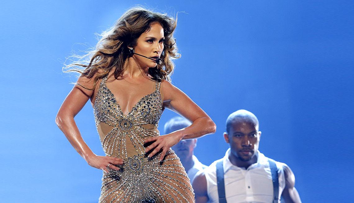 item 10 of Gallery image - Jennifer Lopez durante un concierto.