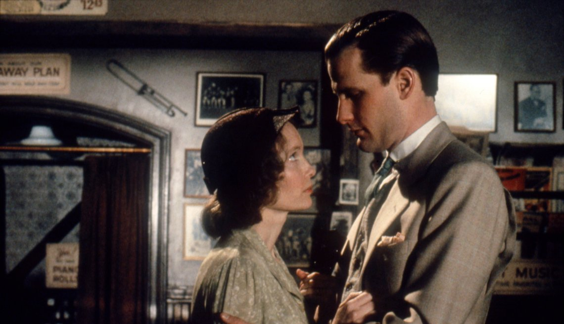 item 3, Gallery image. Mia Farrow and Jeff Daniels in 'The Purple Rose of Cairo.'