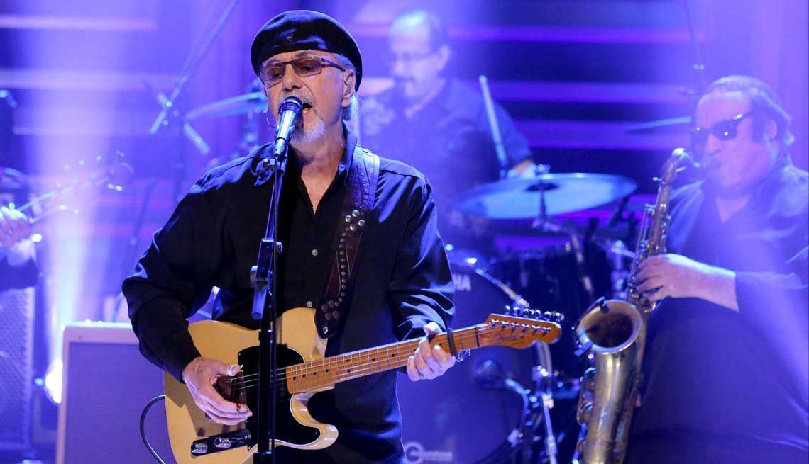 item 7 of Gallery image - Dion performs on 'The Tonight Show Starring Jimmy Fallon on April 8, 2016.