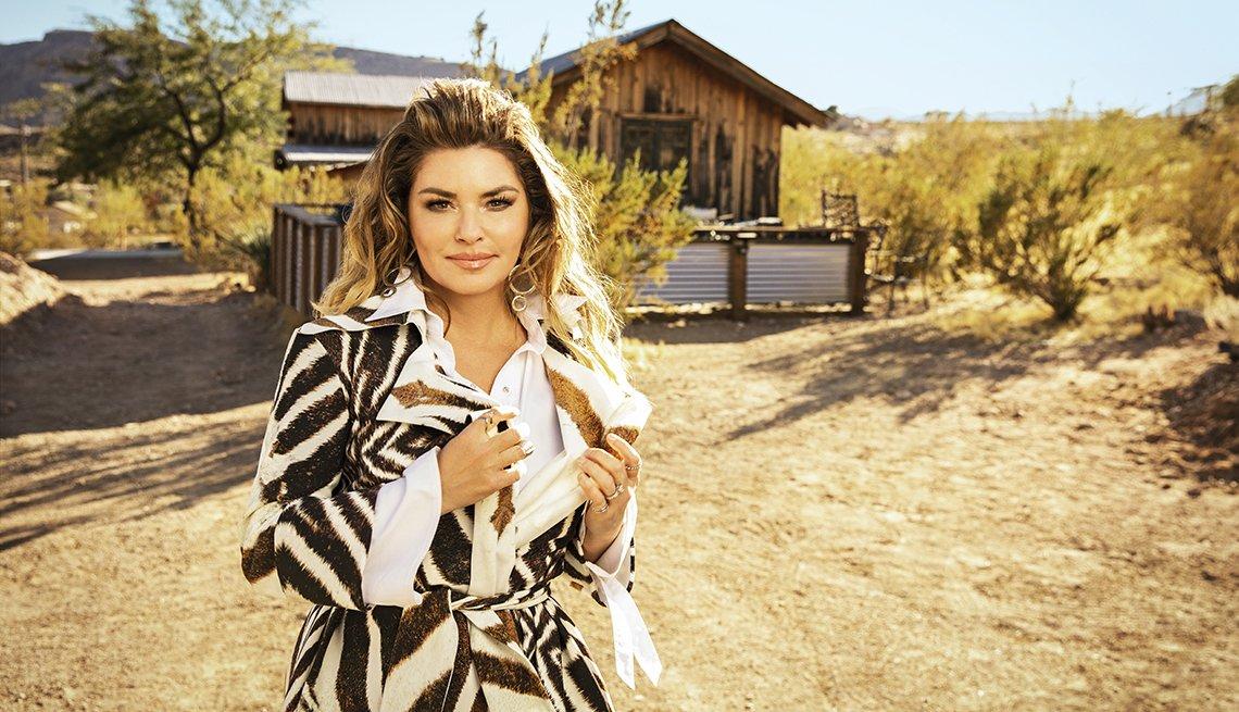 Shania Twain en una granja de caballos en Las Vegas.