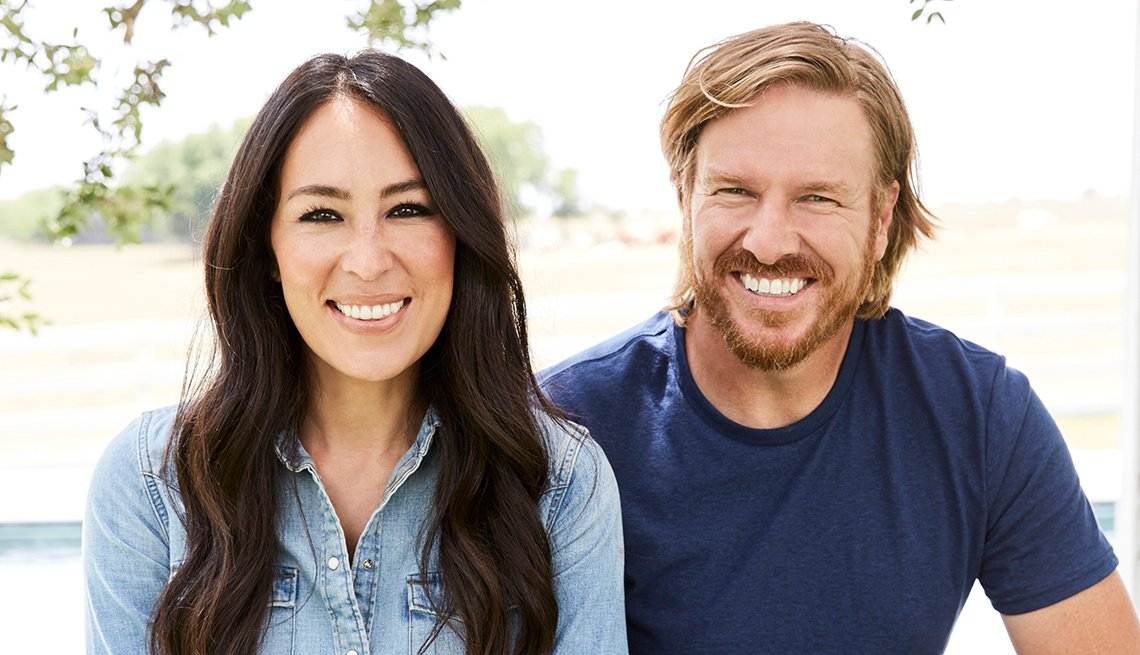 item 1 of Gallery image - Joanna y Chip Gaines