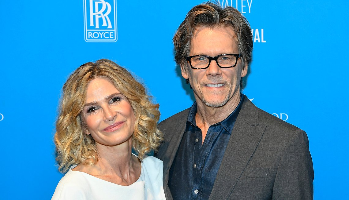 item 2 of Gallery image - Kyra Sedgwick y Kevin Bacon