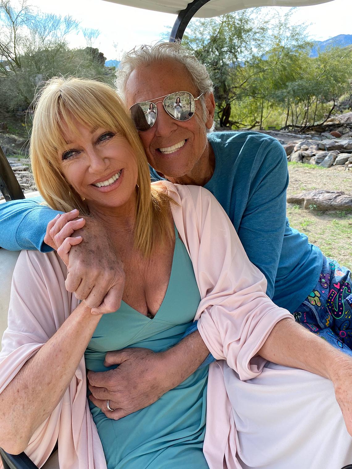Suzanne Somers con su esposo Alan Hamel.