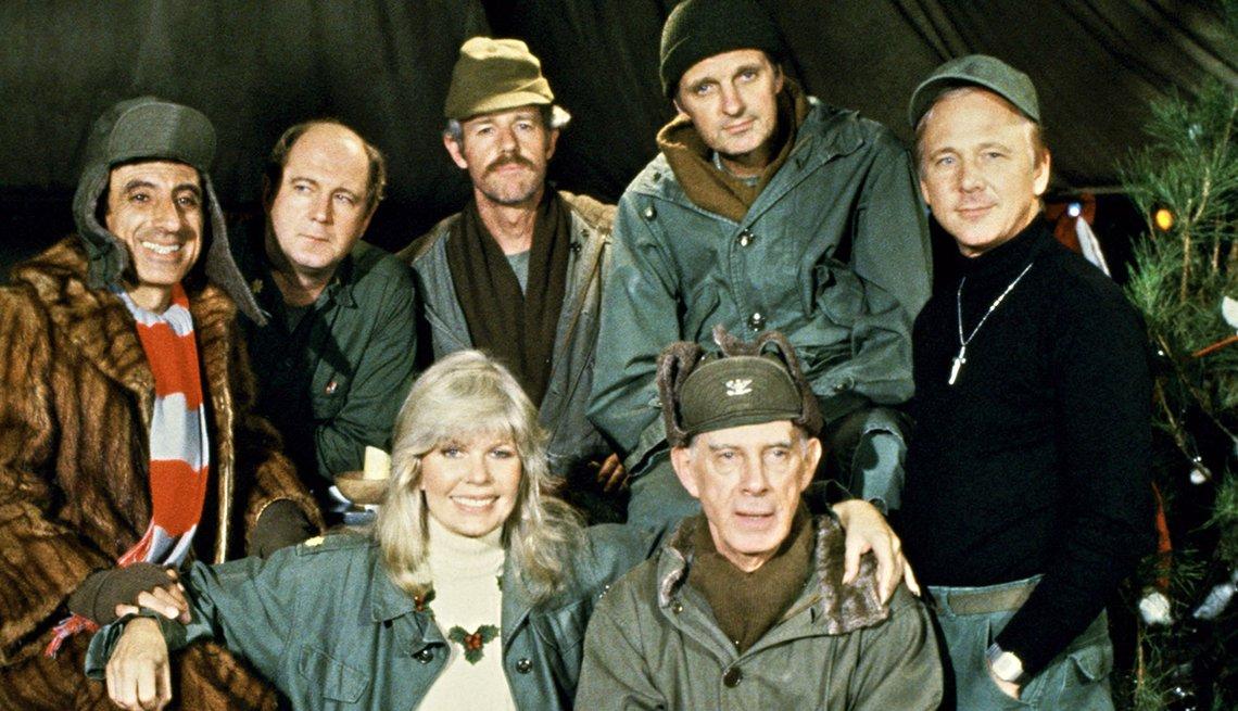 Actores de la serie de televisión M*A*S*H: Jamie Farr, David Ogden Stiers, Mike Farrell, Alan Alda, William Christopher, Loretta Swit, Harry Morgan