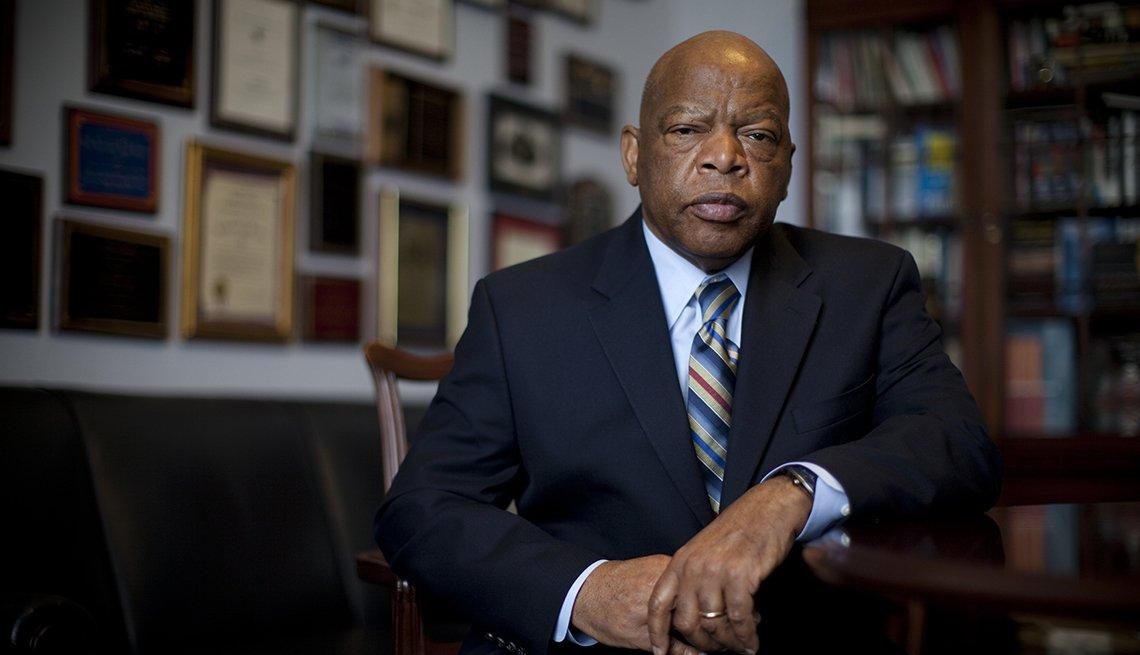 item 34 of Gallery image - El congresista John Lewis (D-GA) es fotografiado en su oficina el 17 de marzo de 2009 en Washington, D.C..