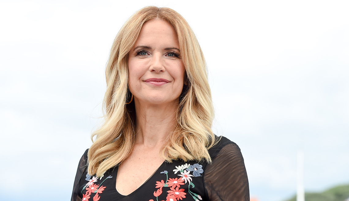 item 32 of Gallery image - Actress Kelly Preston