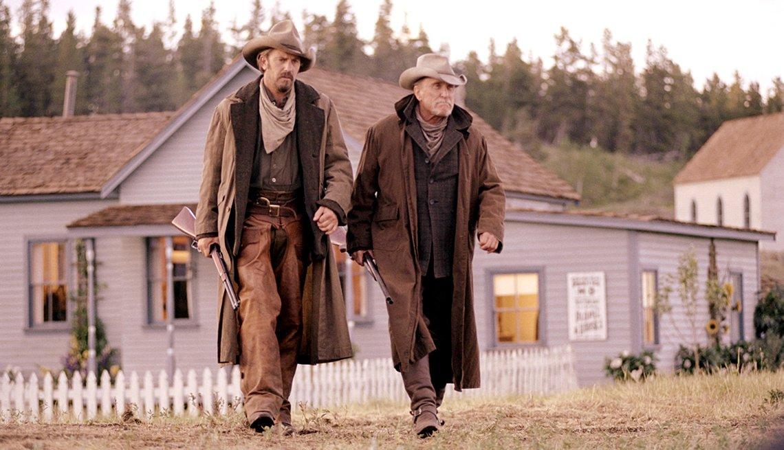 Kevin Costner y Robert Duvall en una escena de Open Range.