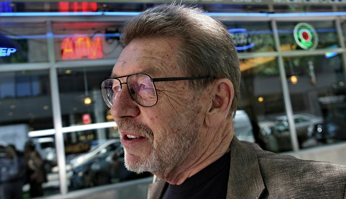 Journalist and author Pete Hamill