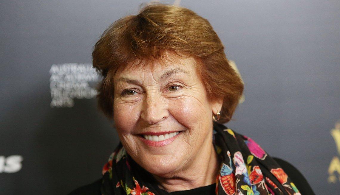 item 19 of Gallery image - La cantante de I Am Woman, Helen Reddy.