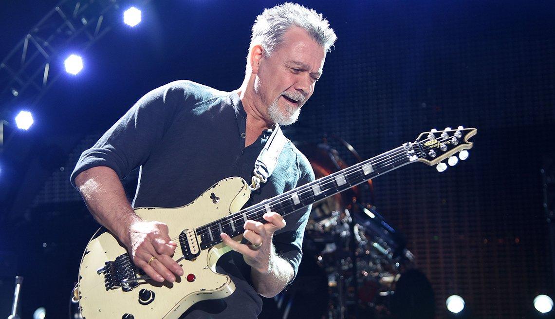 item 15 of Gallery image - Eddie Van Halen tocando la guitarra, 2015.