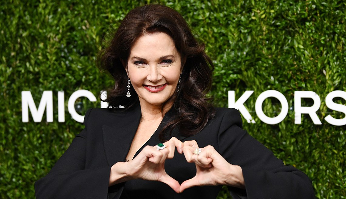 item 6 of Gallery image - Actress Lynda Carter