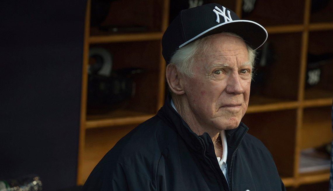 item 14 of Gallery image - El lanzador de los Yankees Whitey Ford.