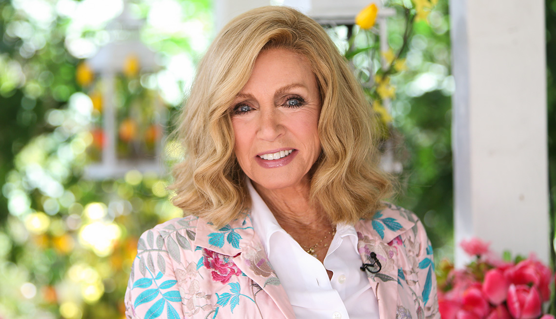 item 6 of Gallery image - Actress Donna Mills