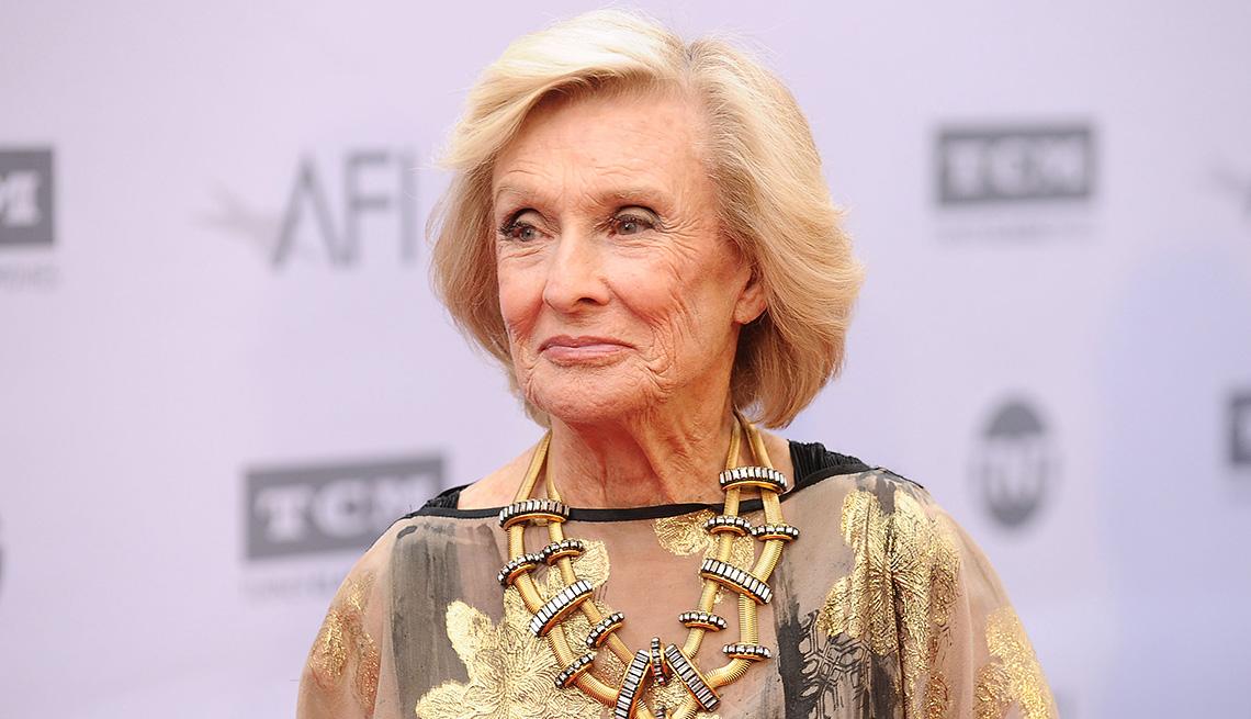 Cloris Leachman attends the 44th AFI Life Achievement Awards gala tribute