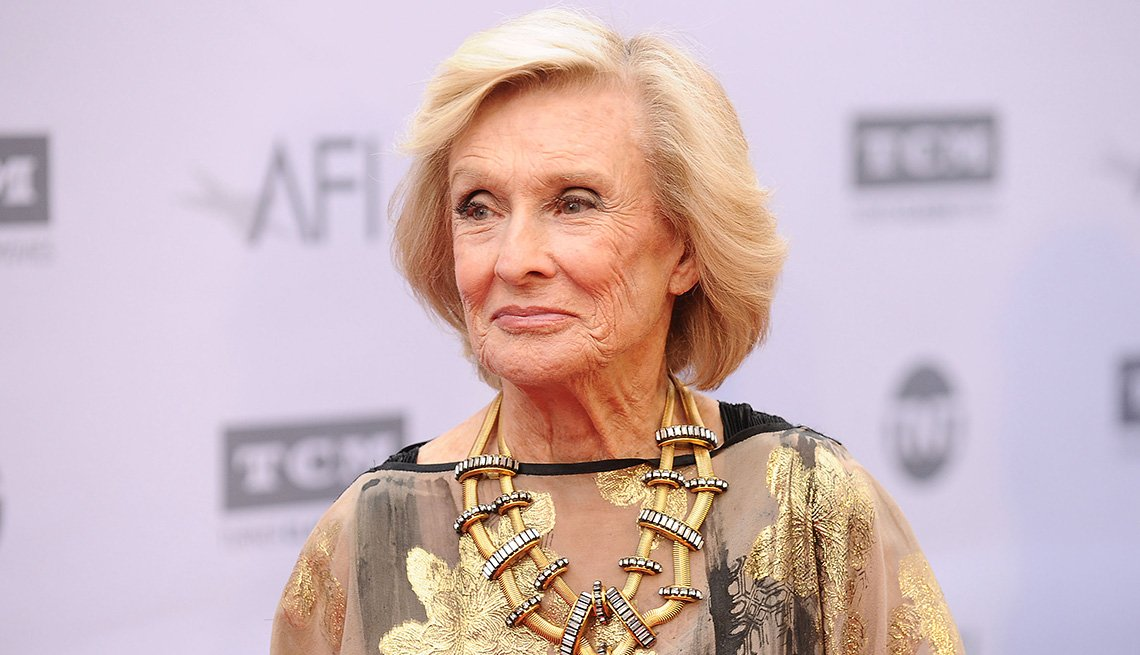 item 18 of Gallery image - Cloris Leachman attends the 44th AFI Life Achievement Awards gala tribute