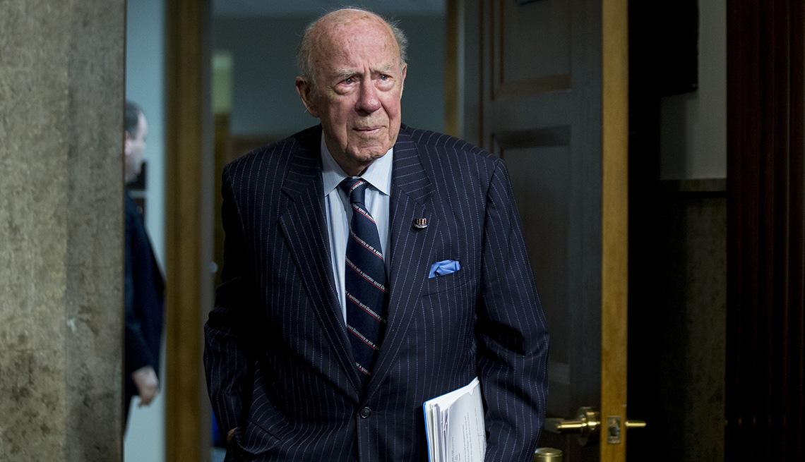 item 38 of Gallery image - El exsecretario de Estado George P. Shultz.