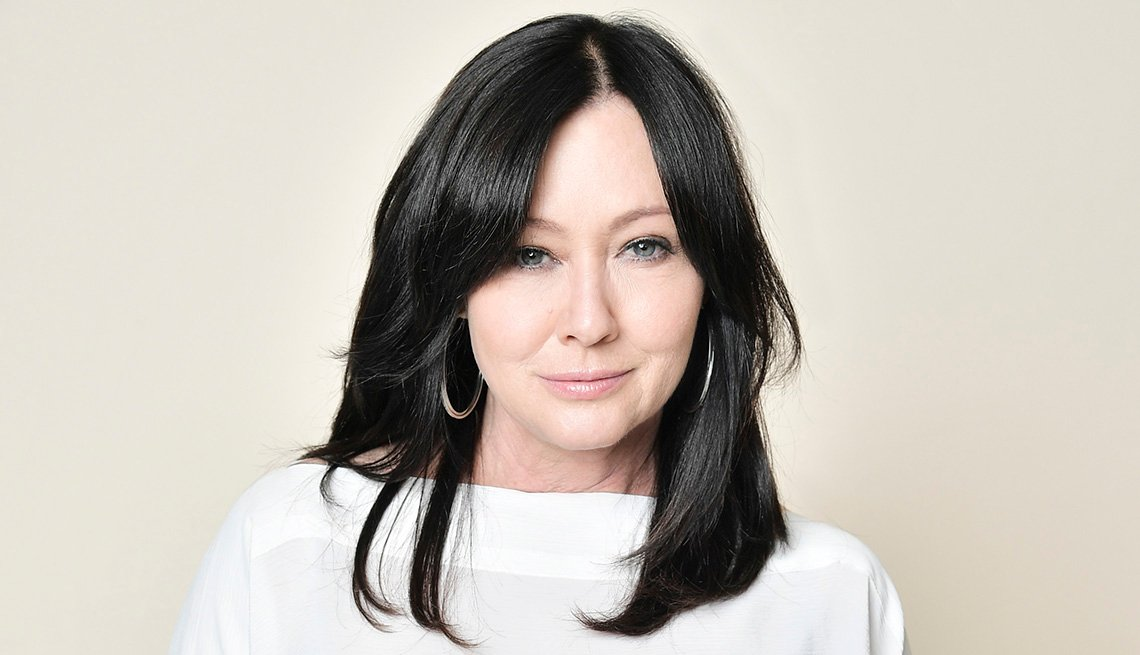 item 2 of Gallery image - Actress Shannen Doherty