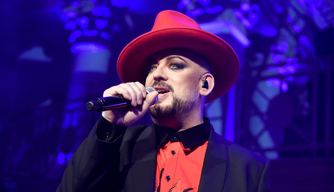 item 7 of Gallery image - El cantante británico de la banda de pop, Culture Club, Boy George.