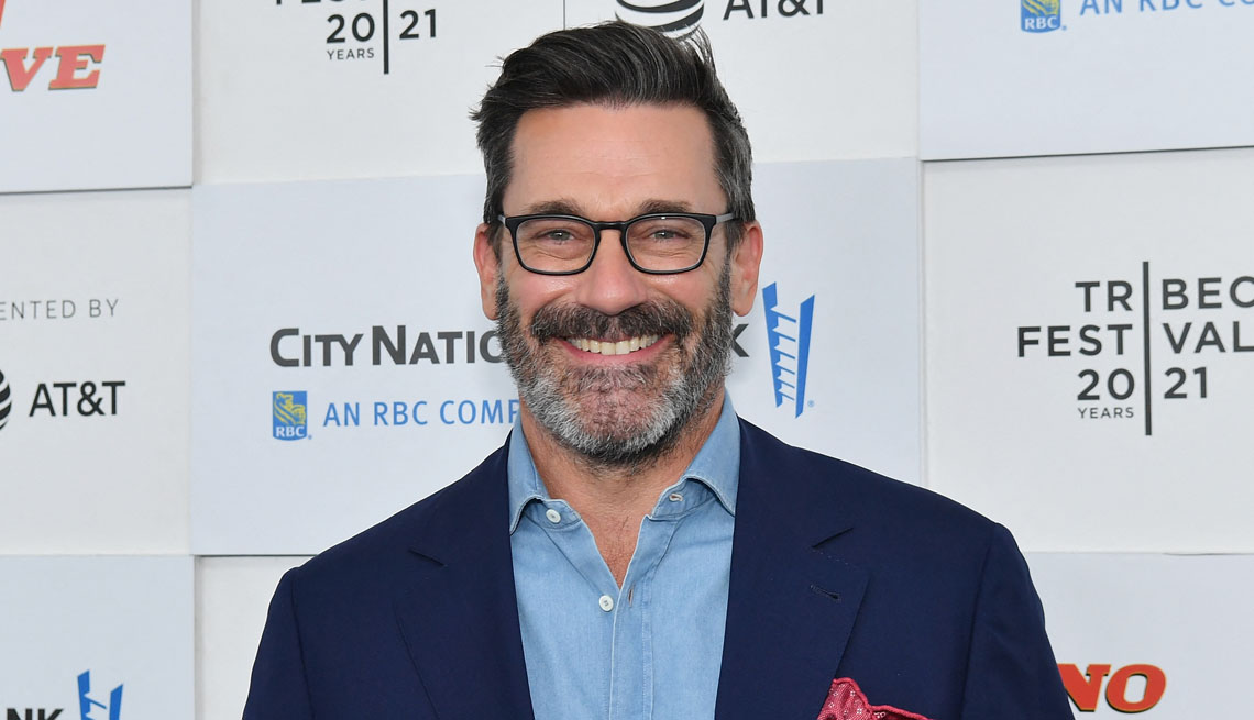 item 3 of Gallery image - actor jon hamm at the premiere of no sudden move at the tribeca film festival
