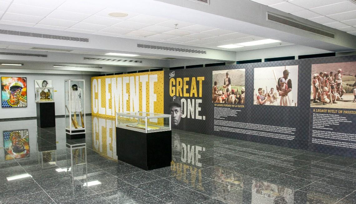 item 5 of Gallery image - Exposición sobre Roberto Clemente en El Museo del Deporte en Guaynabo.