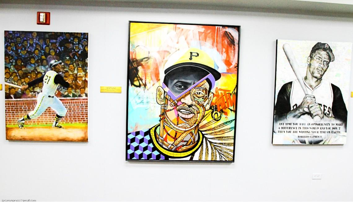item 6 of Gallery image - Grabados y pinturas originales creados sobre Roberto Clemente durante su vida y después de su muerte.