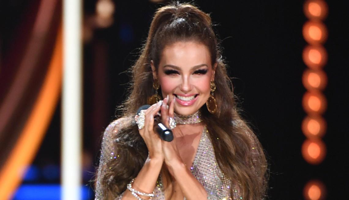 item 7 of Gallery image - Thalía en el escenario durante el Premio Lo Nuestro 2020 de Univision en AmericanAirlines Arena el 20 de febrero de 2020 en Miami, Florida